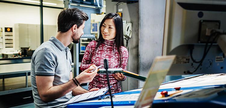 Viele Auftragsfertiger leiden unter fehlender Transparenz, ungenauer Kalkulation sowie Problemen bei Liefertermintreue und Auftragspriorisierung.