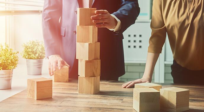 ERP Einführung: Projekt- und Geschäftsleitung arbeiten zusammen
