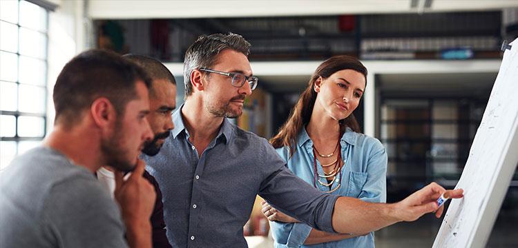 Mit einem ERP-System installieren Sie nicht einfach nur ein neues Software-Tool, sondern stellen Ihre gesamte Prozesslandschaft auf den Prüfstand.